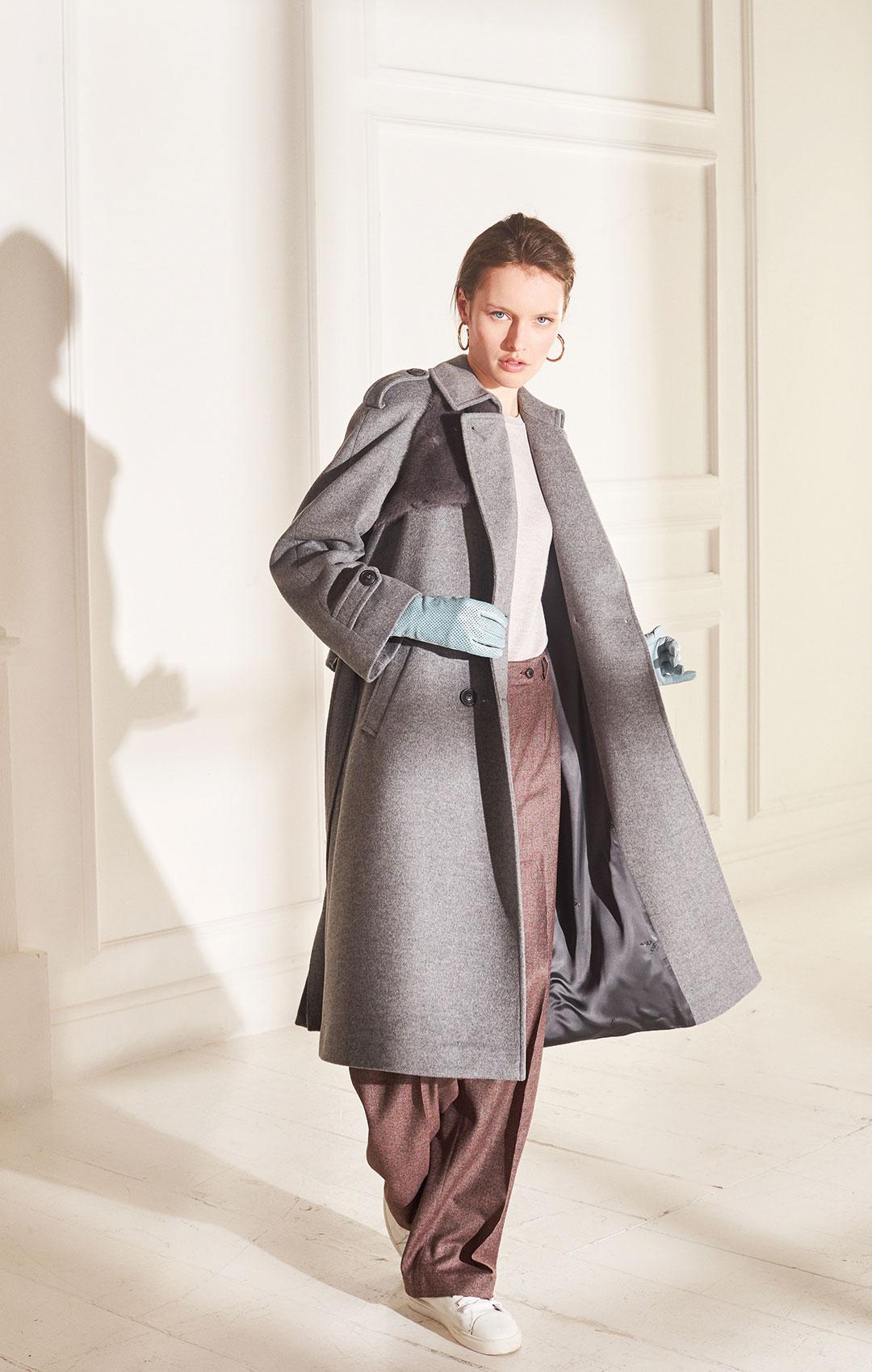 lenoci luxury - trench raglan in lana e cashmere con inserti in visone, bottoni in corno.